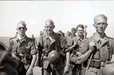 6th Army soldiers marching to Stalingrad, 1942
