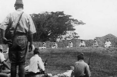 Japanese troops using prisoners of war for target practice, 1942