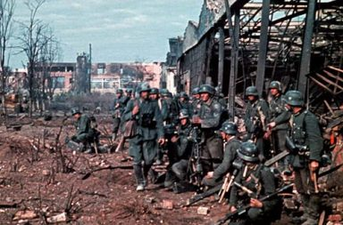 Preparing for an assault on a warehouse in Stalingrad, 1942