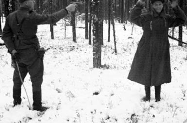 Russian spy laughing through his execution in Finland, 1942
