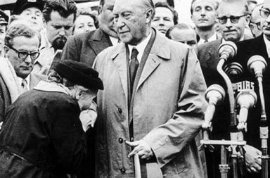 Adenauer returns to Cologne after negotiating the release of the last prisoners of war from Soviet Union, 1955