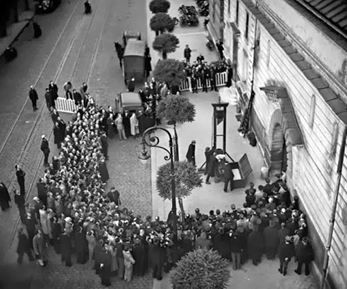 The last public execution by guillotine, 1939