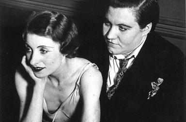 Lesbian couple at Le Monocle, Paris, 1932
