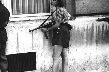 Simone Segouin, the 18 year old French Résistance fighter, 1944