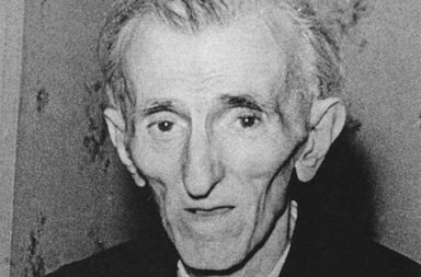 Last picture of Nikola Tesla, 1943