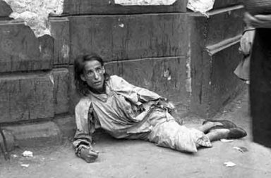 Daily Life In The Warsaw Ghetto
