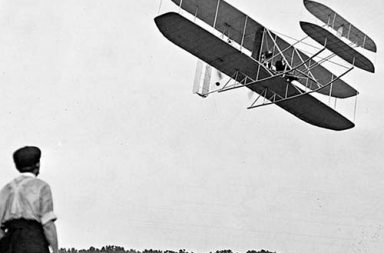 First flight with the Wright Brothers, 1902-1909