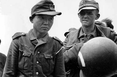 Yang Kyoungjong, the only known soldier to fight on three sides of a war, 1944