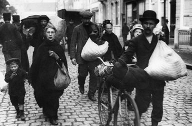 The Belgian refugees in Britain: A warm reception that turned to resentment, 1914-1918