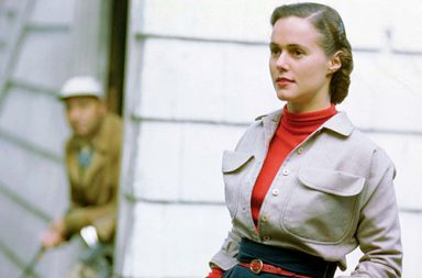 Genevieve Naylor's post-war fashion photos in stunning colors, 1945-1959