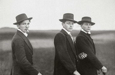 "The story behind the ""Three Young Farmers"" of August Sander, 1914"
