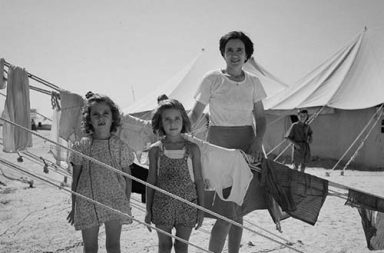 When European refugees fled to Egypt, 1944