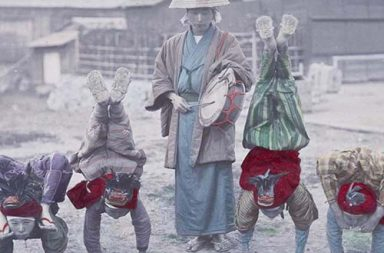 Rare hand-colored photos of Meiji Japan, 1890s