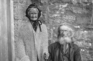 People of old Ireland in rare photographs, 1885-1925