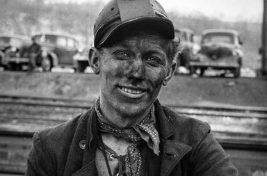 The dangerous lives of Pennsylvania coal miners captured in rare photographs, 1942