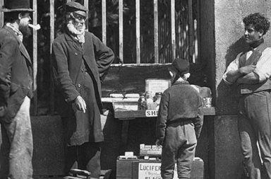 Street life of Victorian London in rare historic photographs, 1873-1877