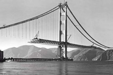 Building the iconic Golden Gate Bridge in rare photographs, 1930s