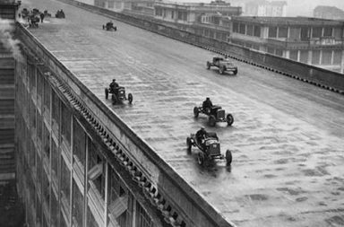 A racetrack on the rooftop of Fiat's Lingotto factory in Italy, 1923