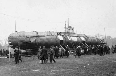 When a German U-Boat submarine and tanks ended up in New York's Central Park, 1917-1918