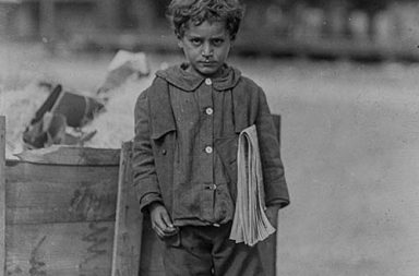 Newsies: Portraits of working children who spread the news, 1908-1924